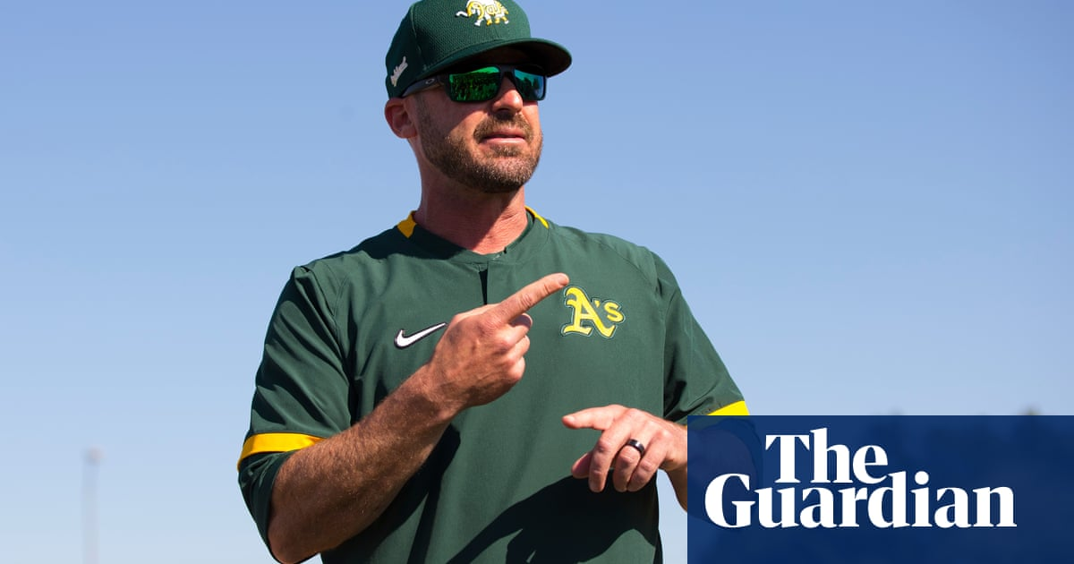 Oakland A's bench coach apologizes for Nazi salute in dugout