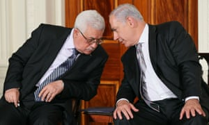 Mahmoud Abbas (left) and Benjamin Netanyahu in the White House in 2010.