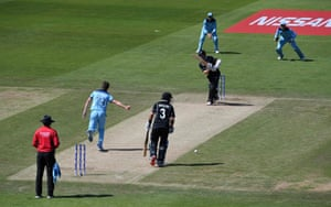 Williamson drives one to the boundary for four.