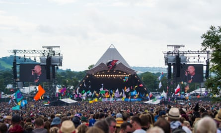 Glastonbury Festival 2016 - Day 2GLASTONBURY, ENGLAND - JUNE 25: A general view of the Pyramid Stage at Glastonbury Festival 2016 at Worthy Farm, Pilton on June 25, 2016 in Glastonbury, England. (Photo by Samir Hussein/Redferns)