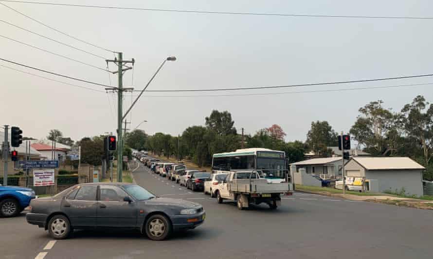 The queue of traffic in Milton
