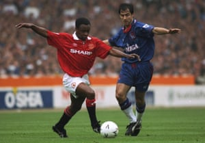 Chelsea's Gavin Peacock goes up against Manchester United's Paul Parker in the 1994 FA Cup final – Chelsea's kit that day bore the logo of a sponsor that went out of business weeks before.