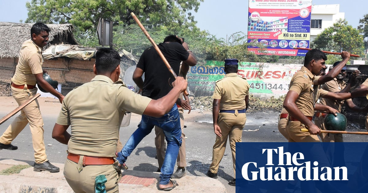 Police in south India accused of mass murder after shooting dead