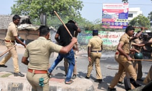 Indian police clash with protesters