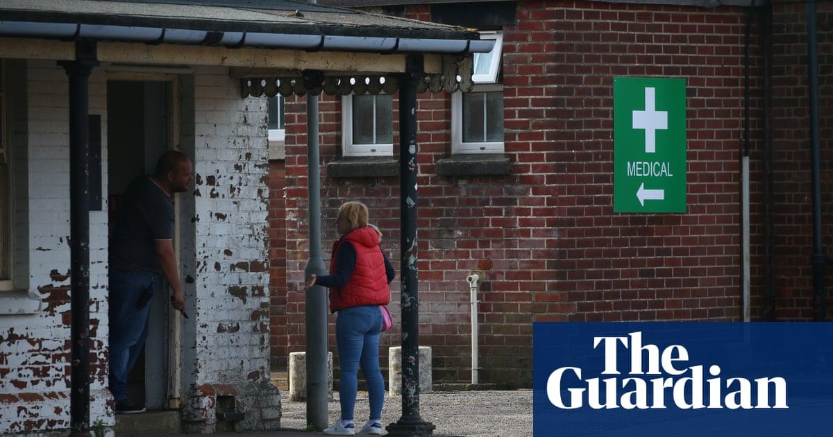 Transfers of asylum seekers to Napier barracks suspended