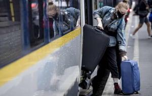 Passenger boarding Eurostar