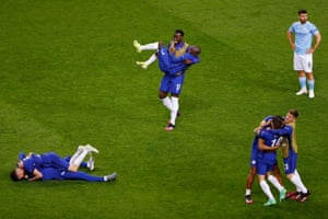 Chelsea's players celebrate.