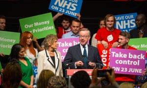 Michael Gove与Priti Patel和Kate Hoey一起在伦敦Old Billingsgate市场举行的Vote Leave活动中发表演讲。