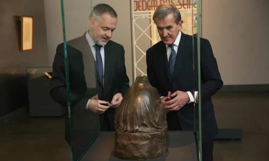 Neil MacGregor with Hartwig Fischer, general director of the Dresden state art collections and Kaethe Kollwitz's Pieta at the Residenzschloss Dresden.