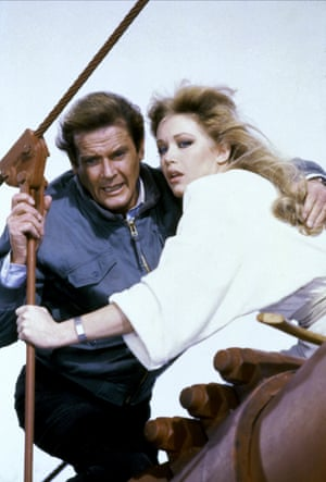 Tanya Roberts as Stacey Sutton and Roger Moore as James Bond in a scene from A View To a Kill 1985.