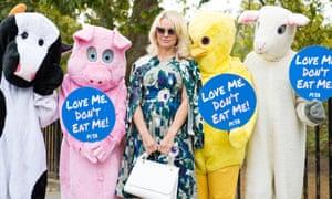 The actress Pamela Anderson helps Peta promote veganism