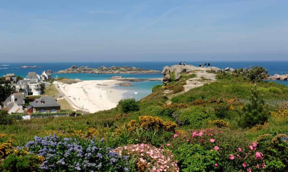Looking down on houses and beach, plage de la Greve blanche, Brittany