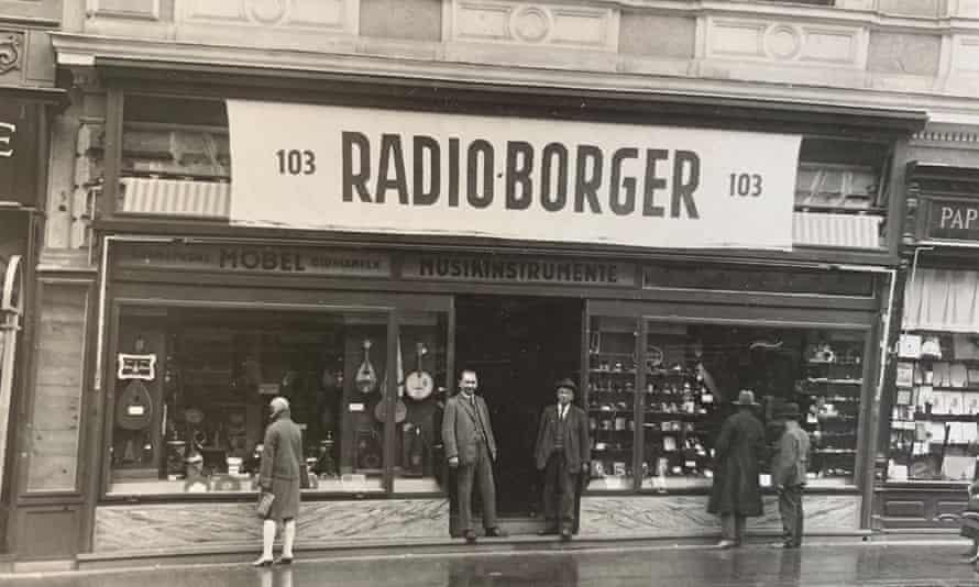 Radio Borger, the family shop in Vienna