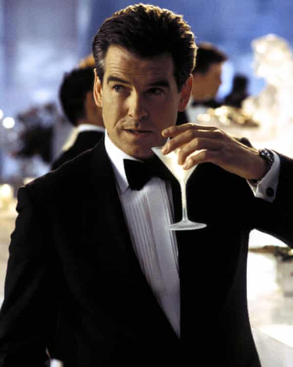 A better Bond than Daniel Craig? ... Pierce Brosnan as 007.