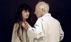 Peter Brook in discussion with Romane Bohringer during a rehearsal of The Tempest in Avignon in 1991.