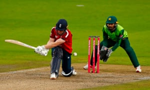 Eoin Morgan is trapped LBW by Iftikhar Ahmad.