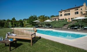 casal dei fichi pool and house
