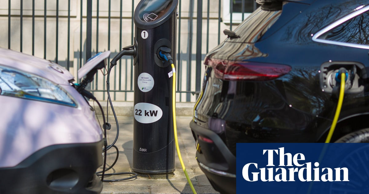 UK electric car industry needs string of 'gigafactories', says SMMT