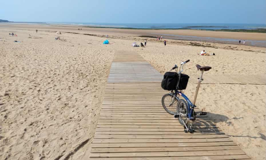 Plage du Veillon is huge and back by dunes.