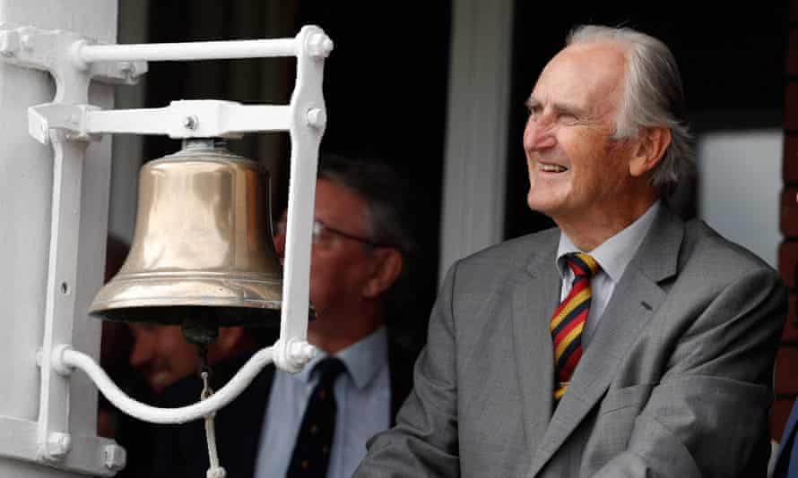 Ted Dexter rings the five-minute bell on the second day of the second Test between England and India in 2018.