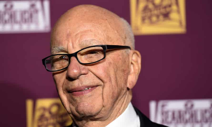 Rupert Murdoch 's 21st Century Fox is attempting to take full control of pay-TV group Sky.