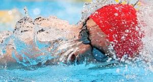 2020東京オリンピック男子自由形200mで銀メダルを首にかけている英国のダンカンスコット。