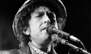 Bob Dylan performing in 1984
