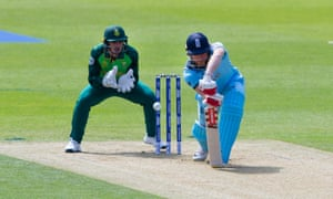 Jonny Bairstow edges Imran Tahir to Quinton de Kock in the very first over of the World Cup