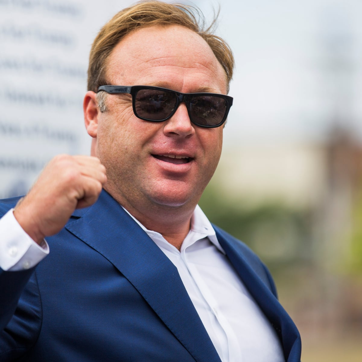 Alex Jones Reported To Be Working On Book About The War For Your Mind Politics Books The Guardian