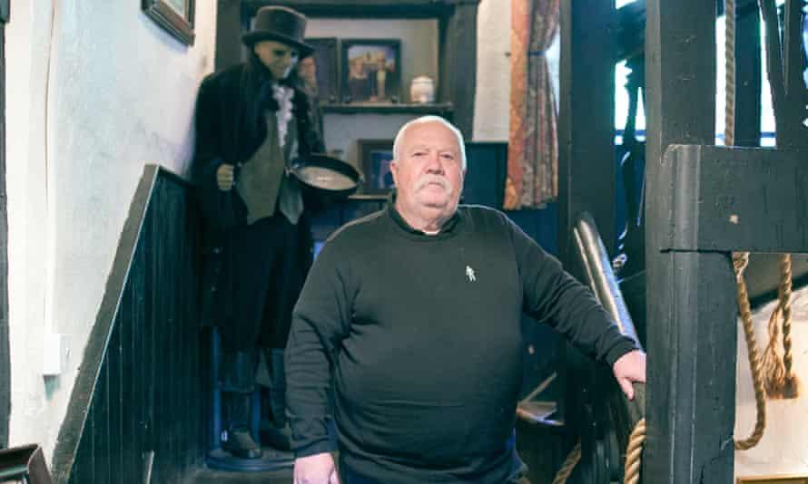 Geoff Fiddler at the Skirrid Mountain Inn
