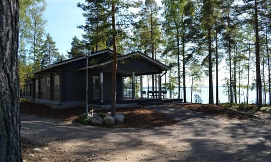 Lakeside Nightingale, Finland. from https://www.finlandcottagerentals.com