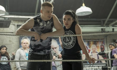 Jack Lowden as Paige's brother, Zak, and Florence Pugh as Paige in Fighting with My Family.