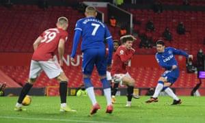 James scores Everton's second goal.