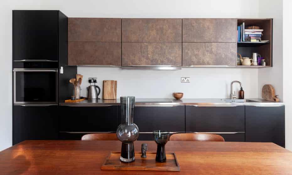 Shelf-improvement: unusual artefacts in the ex-display kitchen.