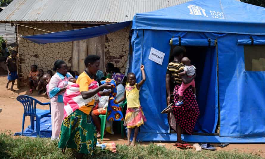 Women receive counselling, family planning advice and contraceptives at a Marie Stopes International mobile clinic in Rwibaale, Uganda.