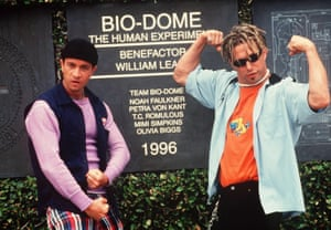 Pauly Shore and Stephen Baldwin in Bio-Dome.