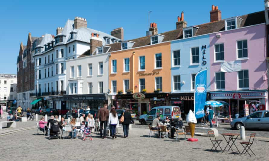 Many 20-somethings are bucking the tradition of enjoying big city life and moving to Margate in Kent.