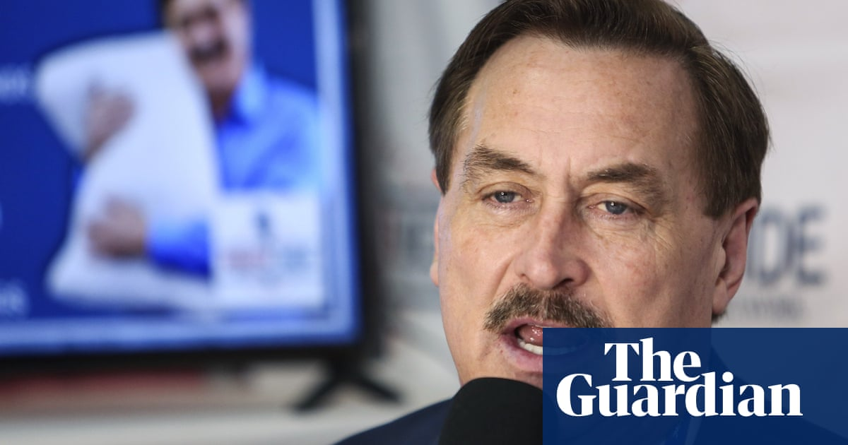 Mike Lindell says he hired investigators to find out why Fox News won't book him