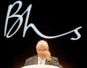 Sir Philip Green addressing a BHS conference