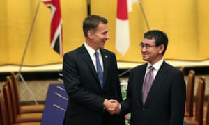 Jeremy Hunt (left) with Japan's foreign minister, Taro Kono, in September