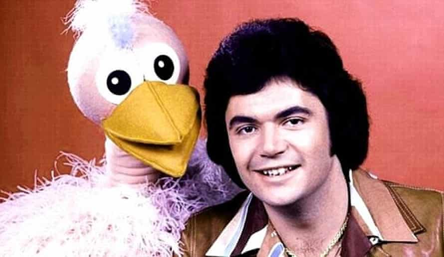 A publicity shot of Daryl Somers from variety show Hey Hey It's Saturday.