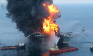 coast guards battle the flames on the Deepwater Horizon rig