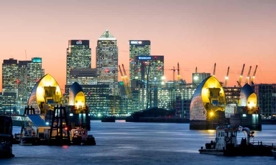 London skyline at Canary Wharf