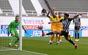 Joelinton with a chance for Newcastle.