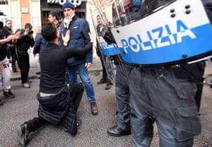 Rome, Italy Police clash with a group of taxi drivers