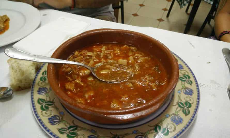 Bowl of stew on a table at restaurant Casa Juanín, Pendones, Asturias