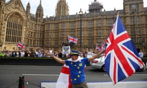 Pro- and ant-Brexit protesters outside the Houses of Parliament in London