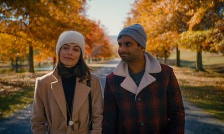 Love in one dimension ... Alessandra Mastronardi and Aziz Ansari in Master of None.