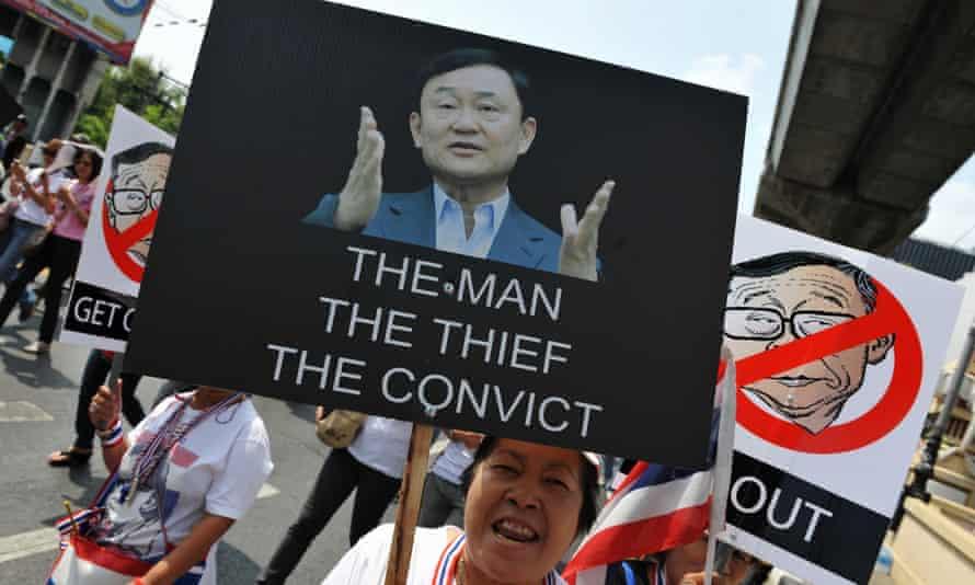 Poster calling Thaksin Shinawatra a thief