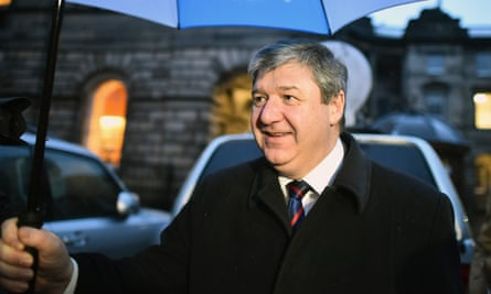 Lib Dem MP Alistair Carmichael is calling for a change in the law